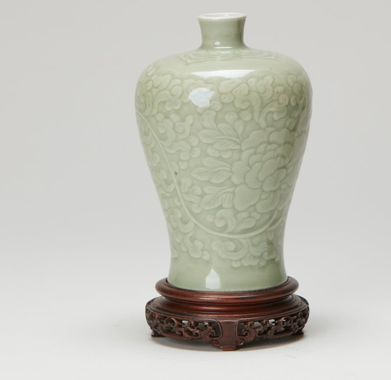 Mei-ping, pale celadon glaze
