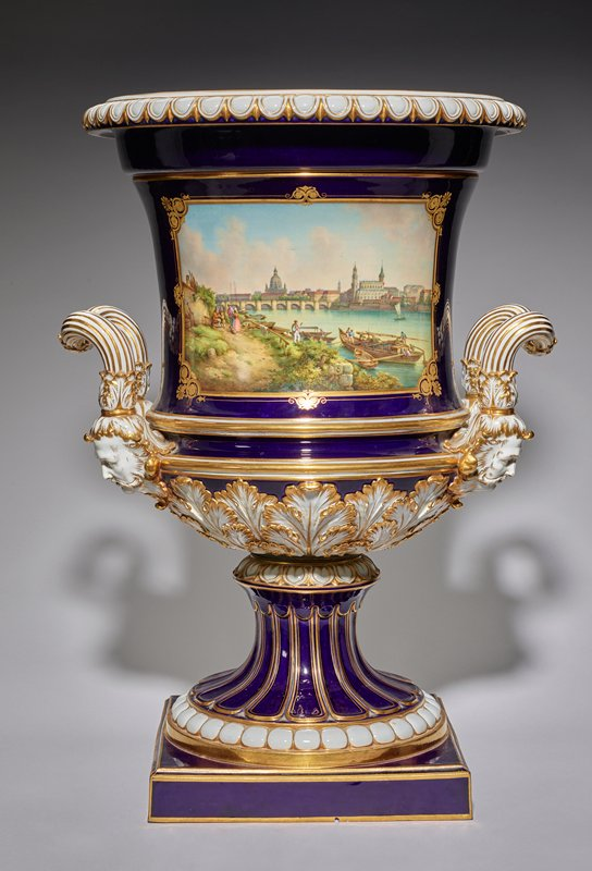 urn, ceramic, urn with two handles and painted lozenges of German cities on either side; porcelain in dark blue, white and gold