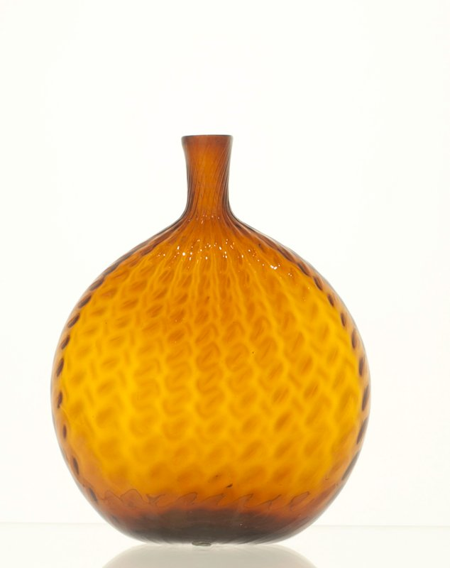Grandfather's flask, golden amber, broken swirl pattern; bottles and dishes from Ohio Manufacturers, 159 items in all, from the Walter Douglas Collection in Centerville, Ohio