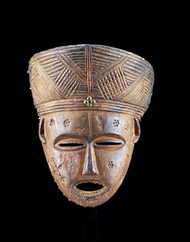 dance mask, Zaire, Tshokweized Lunda Cluster